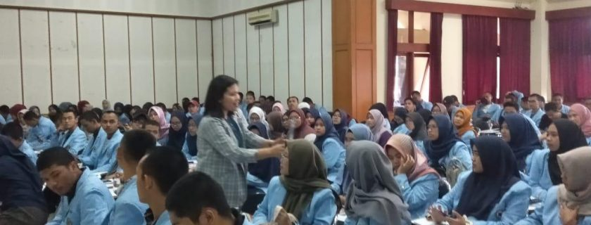 Workshop Digital English Learning Implementasi Kerjasama antara UPT Bahasa UNISBA